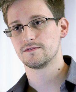 Edward Snowden zei in 2009 dat klokkenluiders in de ballen geschoten moeten worden.