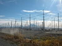 De HAARP installatie zou verantwoordelijk zijn voor elke storm, orkaan en aardbeving, en zelfs chemische sneeuw.