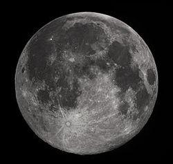 De Maan: het hemellichaam dat eigenhandig verantwoordelijk is voor geweld, zelfmoord, je gezondheid, menstruatie en de geboorte van baby's. En nog veel meer lunacy...