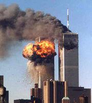 De terreuraanslagen van 9/11 waren klaarblijkelijk het werk van de regering van president Bush, die op geen enkel ander vlak ook maar enige competentie vertoonde.